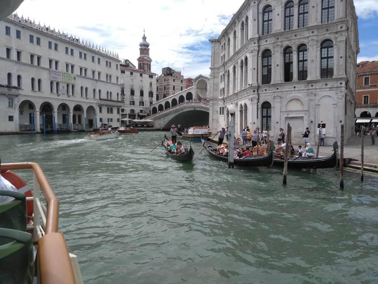 Izlazak s vodenim gradom