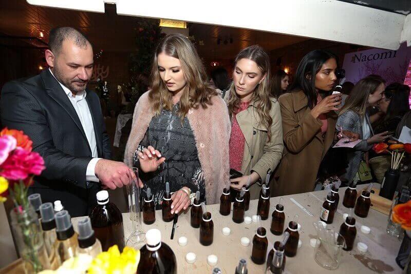 uzvanici testiraju mirise Hrvatske parfemske kuce (1) (1) (1)