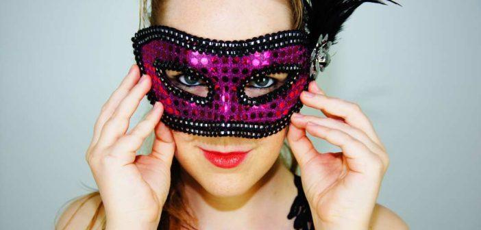 zena s maskom