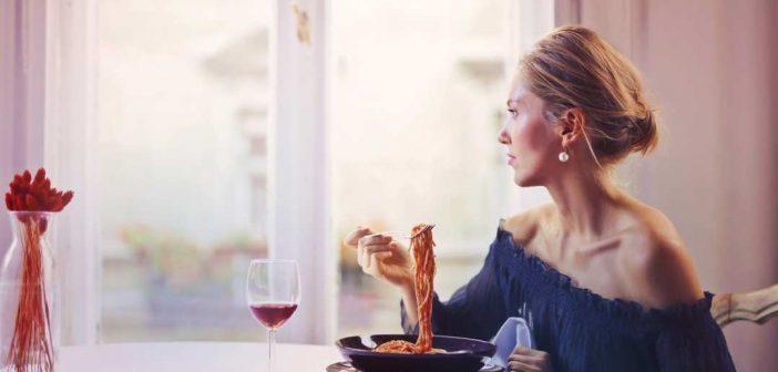 zena jede