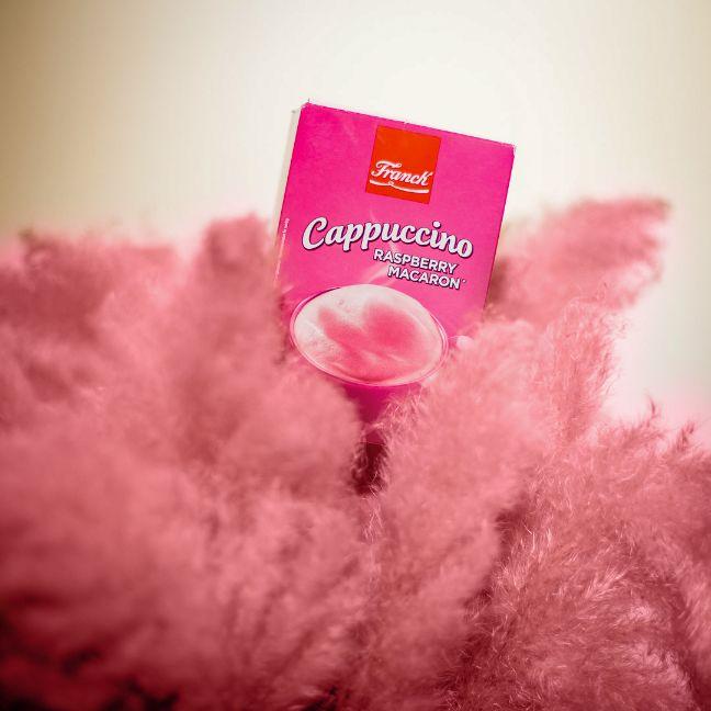 FRANCK_Cappuccino Raspberry Macaron