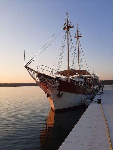 Brod u Puli