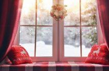 adventski vjencic na prozoru
