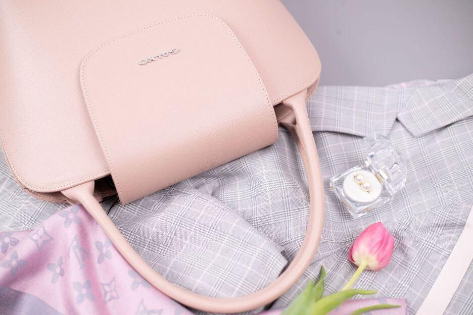 elegantna roza galko torba